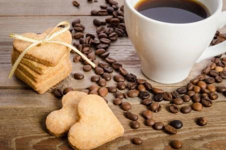 云南古树茶有什么功效和好处 - 云南古树生茶的特点及功效
